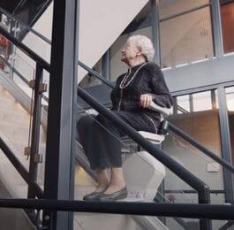 Hoe werkt een traplift